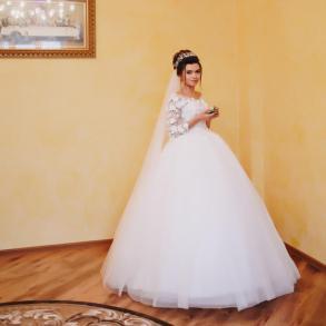 Продам розкішне плаття з 3D квітами ea5e0cb9cae95