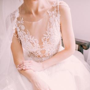 Весільна сукня 73702f79d3e38