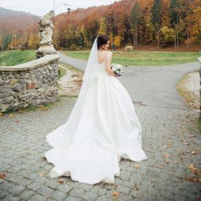 Весільні Сукні на ваше весілля. Україна 31f77efad2c73