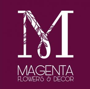 Magenta flowers & decor