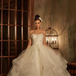 Салон весільної та вечірньої моди Pollardi 0bfb3fe4a0be1