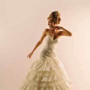 Шикарне дизайнерське весільне плаття cbac6f327a9fa